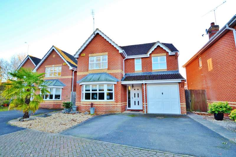 4 Bedrooms Detached House for sale in Knightwood Park