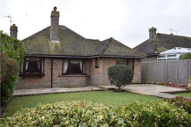 2 Bedrooms Detached Bungalow for sale in Pembury Grove, BEXHILL-ON-SEA, East Sussex, TN39 4BX