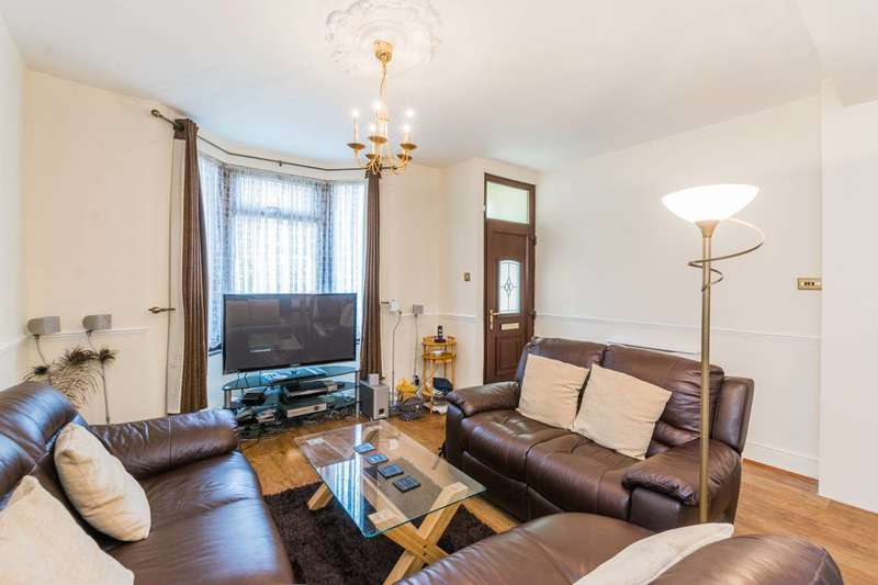 2 Bedrooms Terraced House for sale in Sutton Court Road, Plaistow, E13