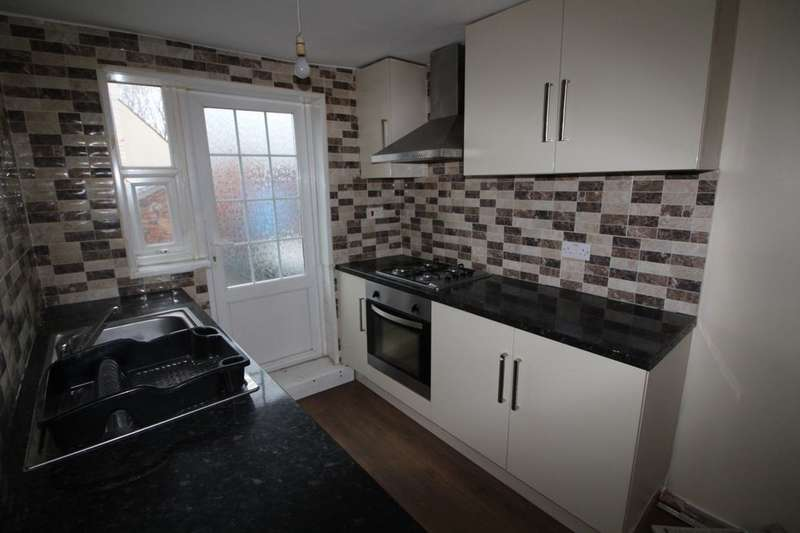 2 Bedrooms Flat for rent in A Redditch Road, Studley, B80