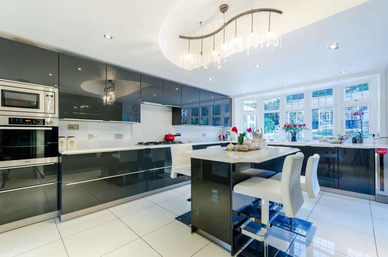 5 Bedrooms Detached House for rent in Sudbury Court Drive, Harrow, HA1