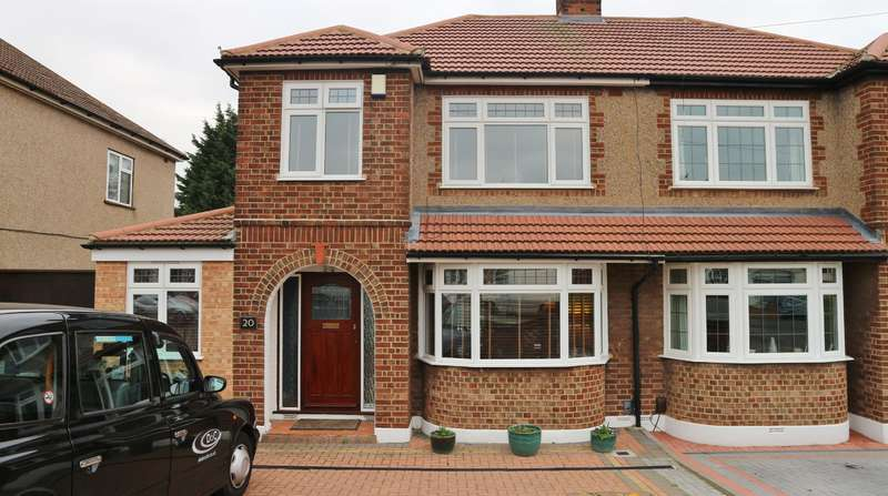 3 Bedrooms Semi Detached House for sale in Swanton Road, Erith, Kent, DA8 1LP