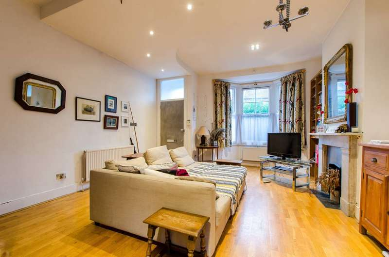 3 Bedrooms House for sale in Kingswood Road, Clapham Park, SW2