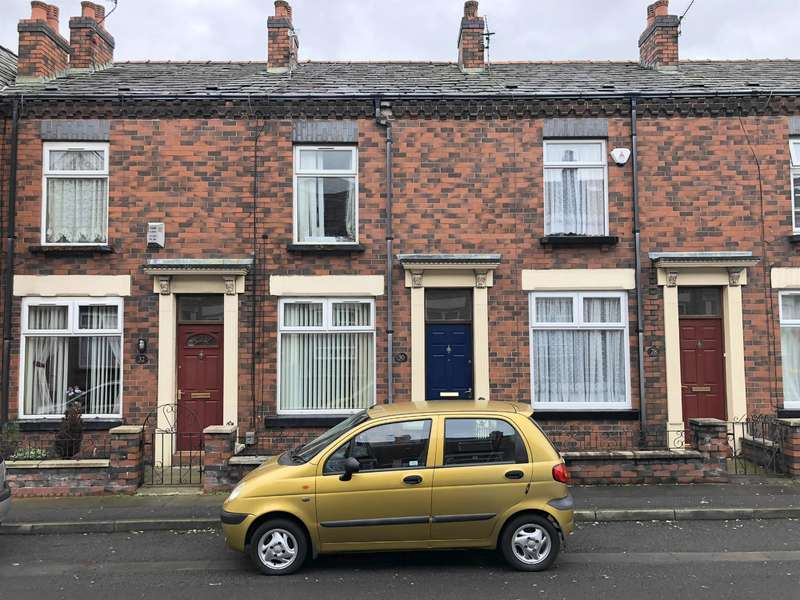 2 Bedrooms Terraced House for sale in Windsor Grove, Heaton, Bolton, BL1 3BR