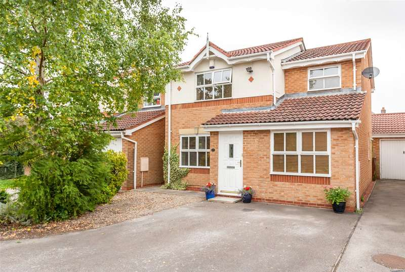4 Bedrooms Detached House for sale in Hazelnut Grove, York, YO30