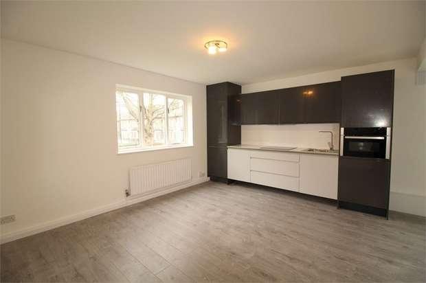 Studio Flat for sale in Princess Road, Croydon, Surrey