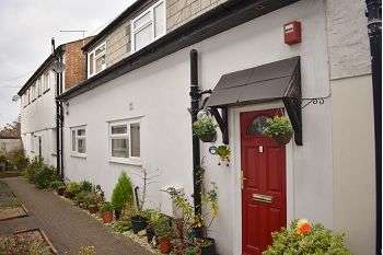 2 Bedrooms House for sale in Pitcroft Lane, North End, Portsmouth, PO2 8BX