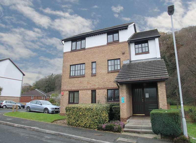2 Bedrooms Flat for sale in Crabtree Close, Crabtree, PL3 6PL