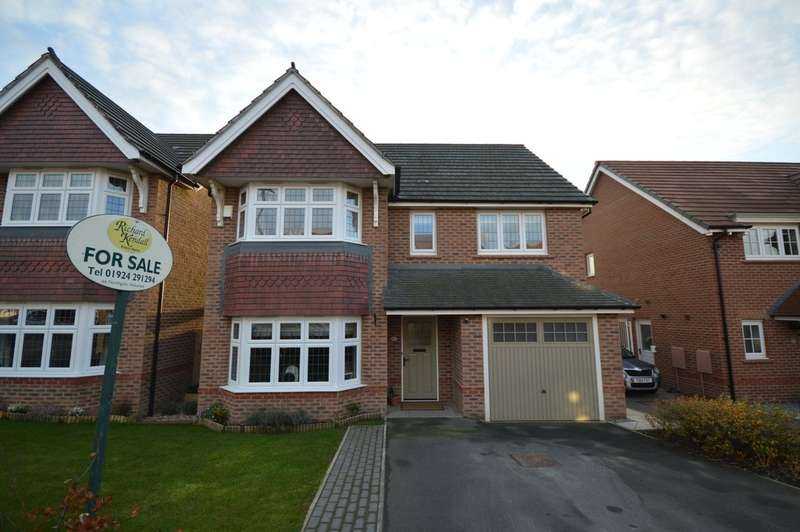 4 Bedrooms Detached House for sale in Eton Walk, Wrenthorpe, Wakefield