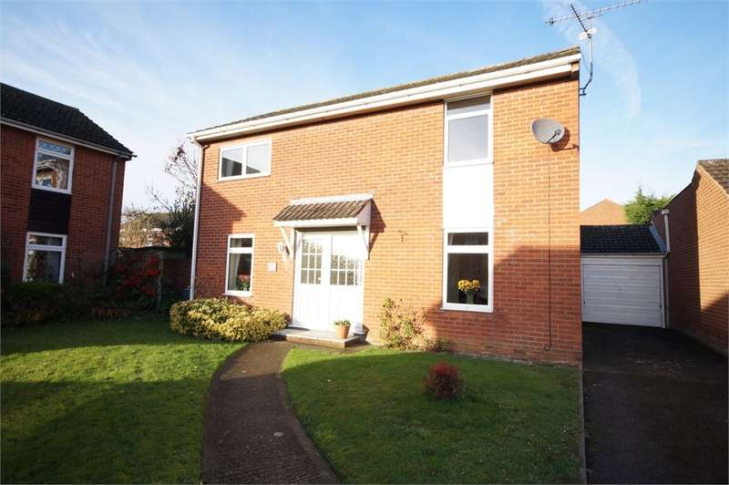 4 Bedrooms Detached House for sale in Hurst Park Road, Twyford, READING, Berkshire