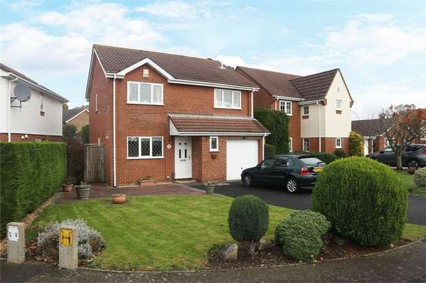 4 Bedrooms Detached House for sale in Countess Gardens, Bournemouth, Dorset