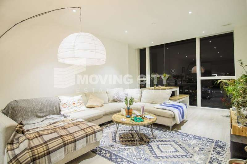 3 Bedrooms Apartment Flat for rent in Skyline Tower, Woodberry Down, N4