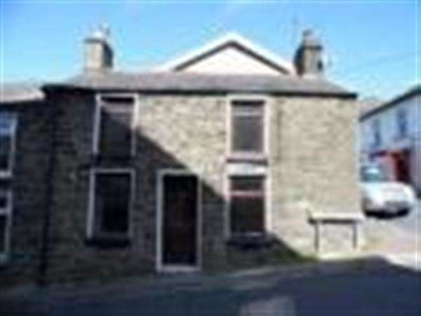 2 Bedrooms Property for rent in Phillip Street, Mountain Ash