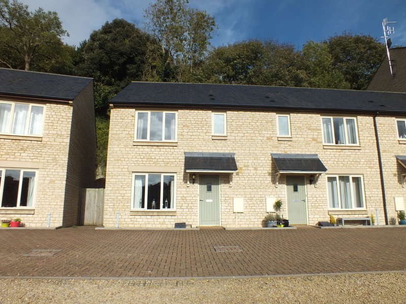 3 Bedrooms End Of Terrace House for sale in Newmarket, Nailsworth