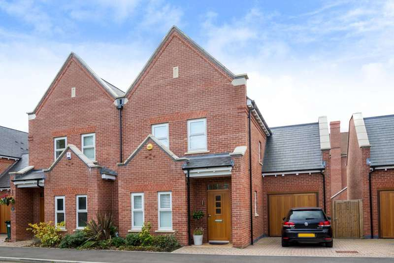 4 Bedrooms House for rent in Charles Sevright Way, Mill Hill, NW7