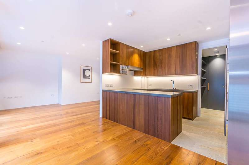 2 Bedrooms Flat for sale in Wild Rents, London Bridge, SE1
