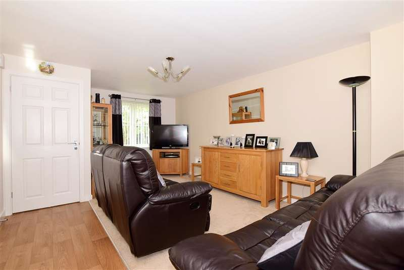 3 Bedrooms Terraced House for sale in Cantium Place, , Snodland, Kent