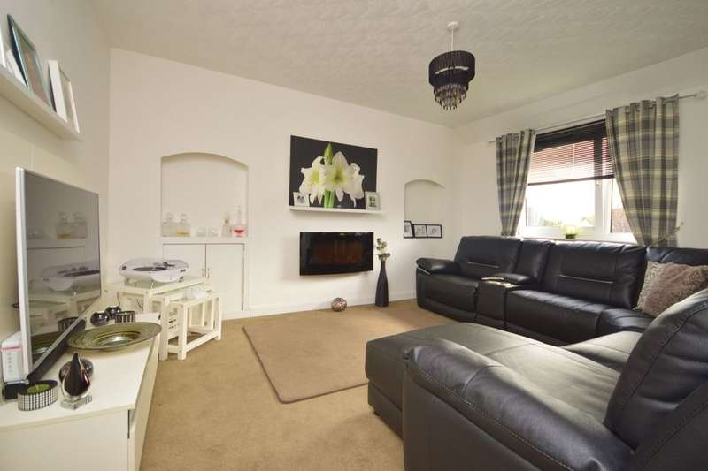 3 Bedrooms Flat for sale in Mitchell Crescent, Cowdenbeath, KY4