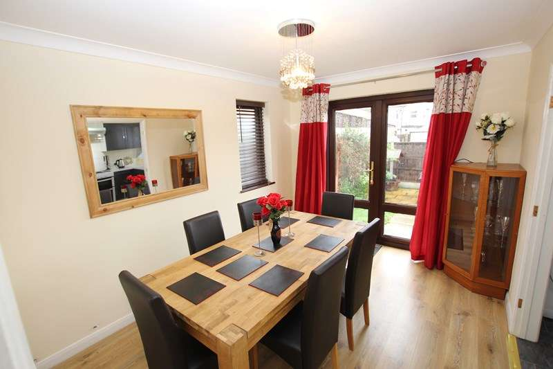 3 Bedrooms Detached House for rent in Armitage Road, Thorpe Bay