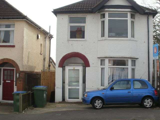 6 Bedrooms Semi Detached House for rent in Kitchener Road, Highfield, Southampton