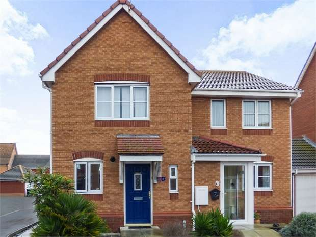 2 Bedrooms Semi Detached House for sale in Rhodfa Peris, Prestatyn, Denbighshire