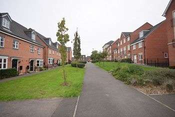 4 Bedrooms Town House for sale in College Green Walk, Mickleover, Derby, DE3 9DW