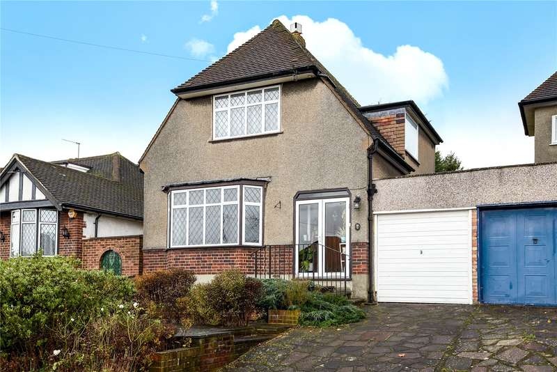 3 Bedrooms Detached House for sale in York Road, Northwood, Middlesex, HA6