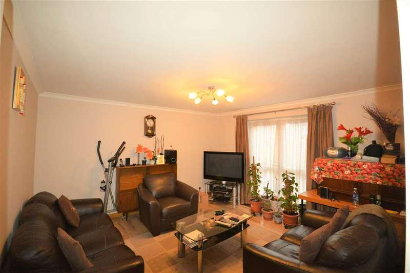 2 Bedrooms Terraced House for rent in Brackley Close, Wallington