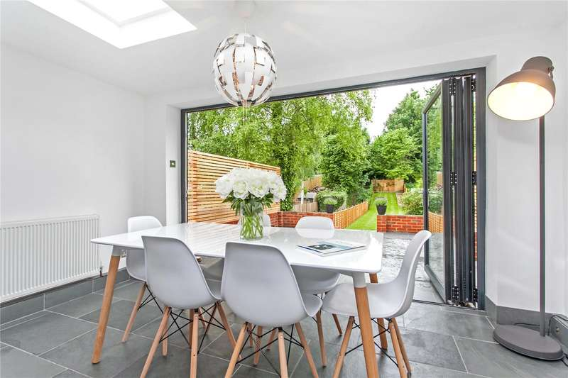 3 Bedrooms Terraced House for sale in Bar End Road, Winchester, Hampshire, SO23