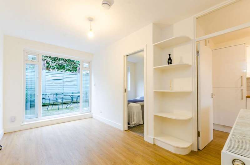 1 Bedroom Flat for sale in Dray Gardens, Brixton, SW2