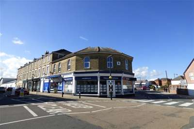 2 Bedrooms Flat for rent in Ferry Road, East Cowes