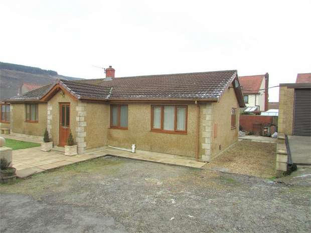 4 Bedrooms Detached Bungalow for sale in Louise Close, Melincourt, Neath, West Glamorgan