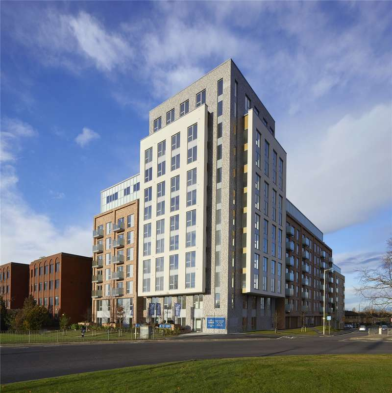 2 Bedrooms Flat for sale in Franklin Court, Shenley Road, Borehamwood, Hertfordshire, WD6