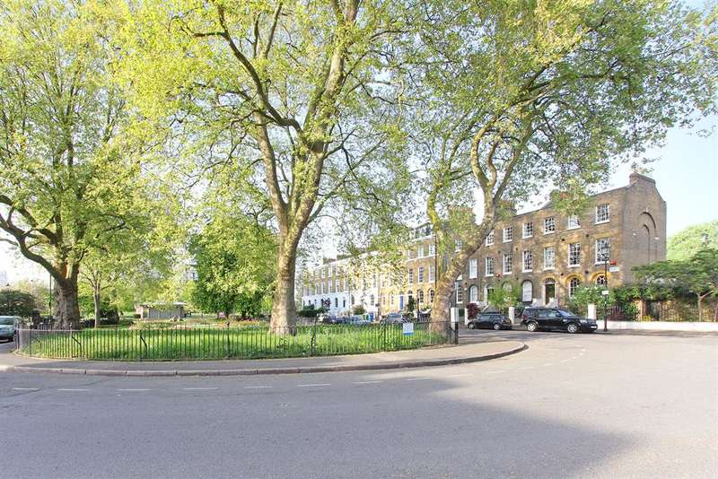 1 Bedroom Flat for sale in Addington Square, Camberwell , London, SE5 7LB