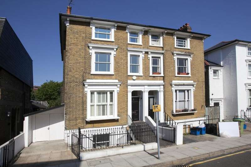 5 Bedrooms House for rent in St Johns Road, Richmond TW9