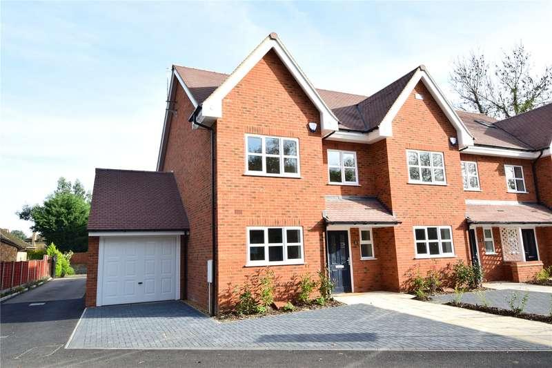 3 Bedrooms Semi Detached House for sale in Clover Cottages, Hill End Road, Harefield, Uxbridge, UB9