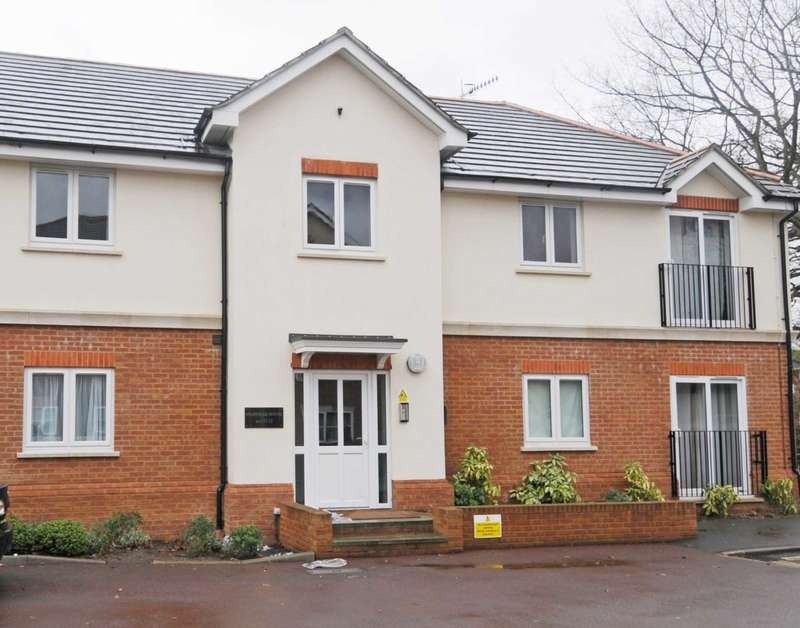 2 Bedrooms Apartment Flat for rent in Town Mead, West Green, Crawley
