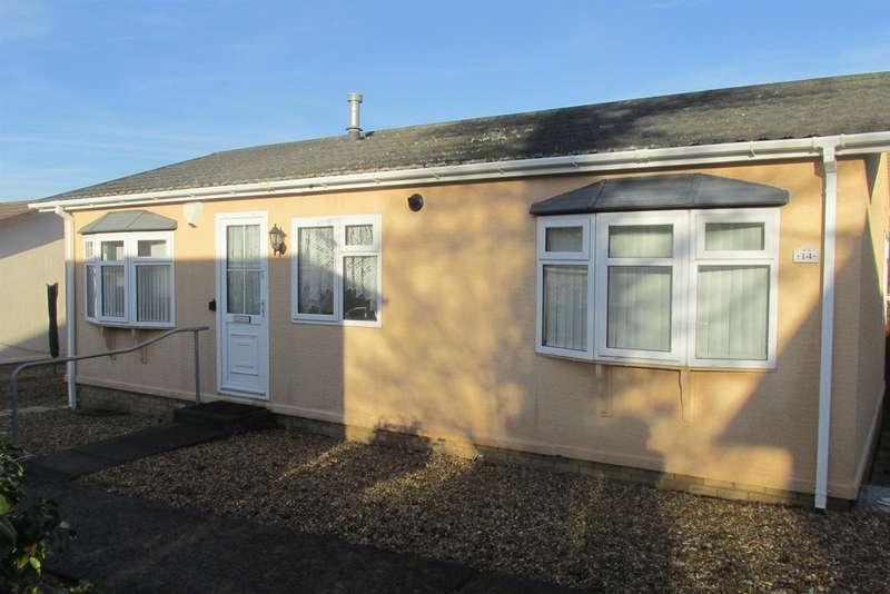 2 Bedrooms Park Home Mobile Home for sale in Woodland Park, Waunarlwydd, Swansea