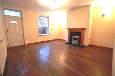 2 Bedrooms House for rent in King Street, Ossett