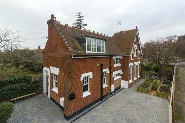 3 Bedrooms Detached House for sale in The Coach House, Reading Street, Broadstairs, Kent