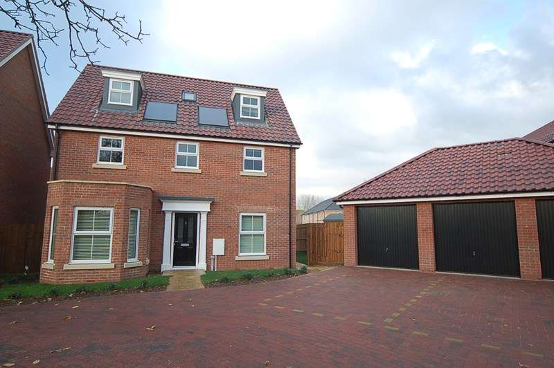 5 Bedrooms Property for rent in Garden View, Beck Row, BURY ST EDMUNDS