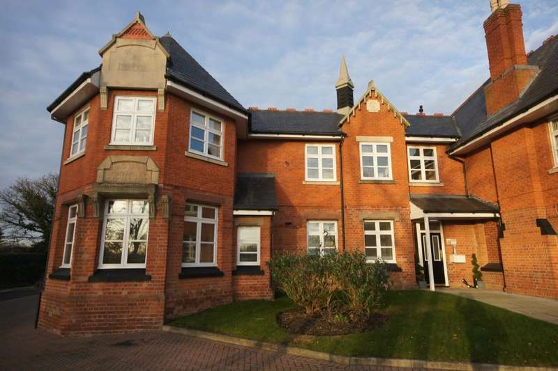 2 Bedrooms Flat for sale in Cedar Court, Knowsley, Prescot, L34