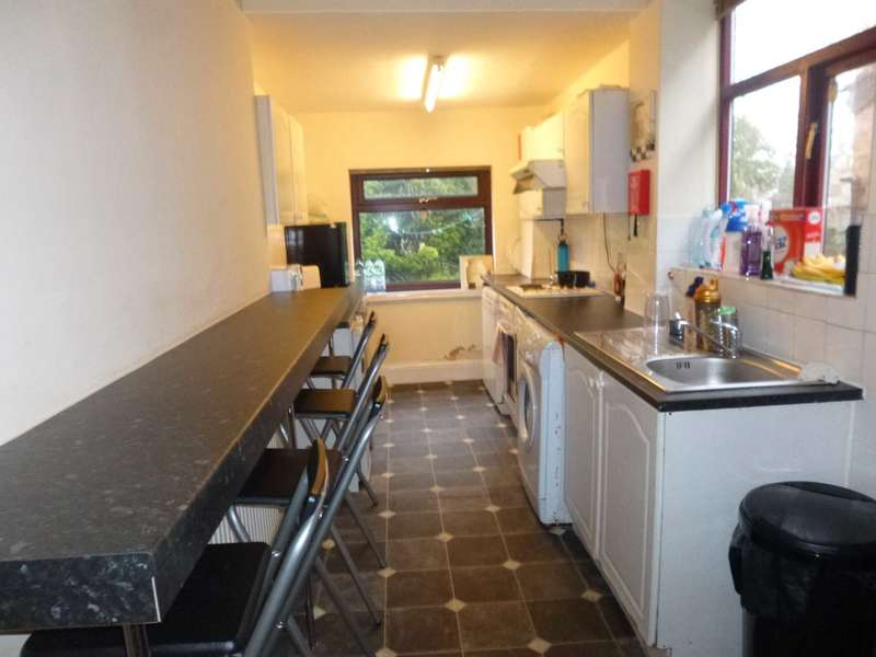 4 Bedrooms Semi Detached House for rent in Heyscroft Road, Withington