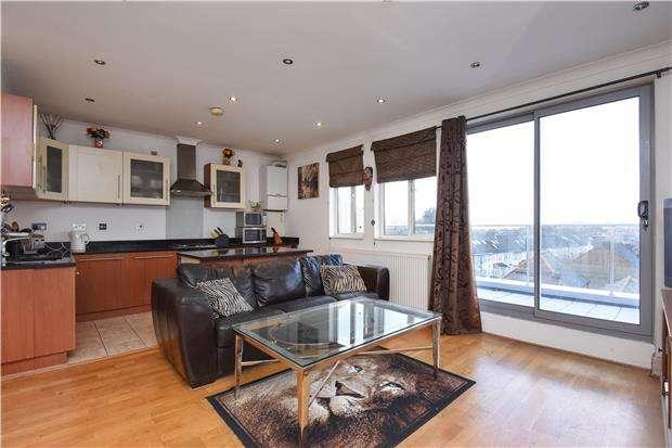 2 Bedrooms Flat for sale in Thornton Road, THORNTON HEATH, CR7