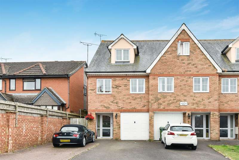3 Bedrooms Town House for sale in Cambridge Road, Crowthorne, RG45