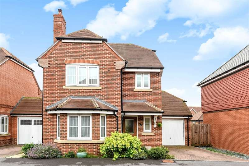 3 Bedrooms Detached House for sale in Blackberry Gardens, WINNERSH, RG41