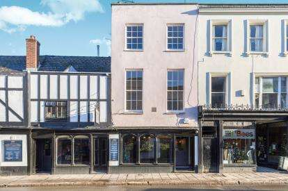 2 Bedrooms Flat for sale in High Street, Cheltenham, Gloucestershire, Cheltenham