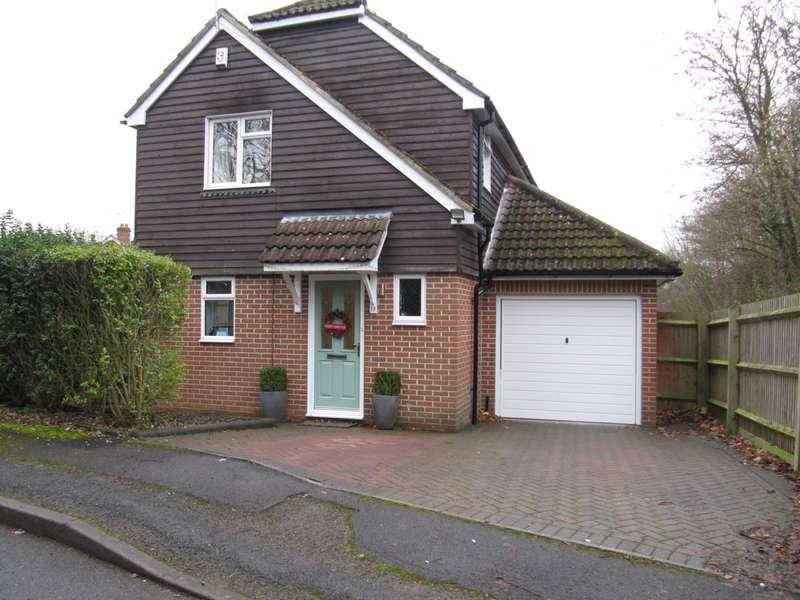 3 Bedrooms Detached House for rent in Lychpit, Basingstoke