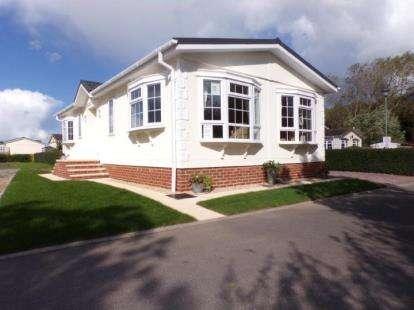 2 Bedrooms Bungalow for sale in Bridgwater, Somerset