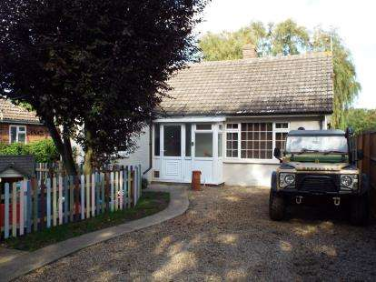4 Bedrooms Bungalow for sale in Watlington, Kings Lynn, Norfolk